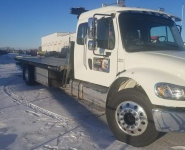 Tow truck Fort McMurray - 4 Seasons Transport & Towing